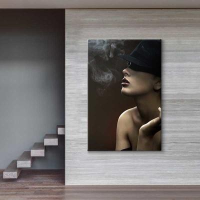 Sigara Dumanları ve Kadın Kanvas Tablo